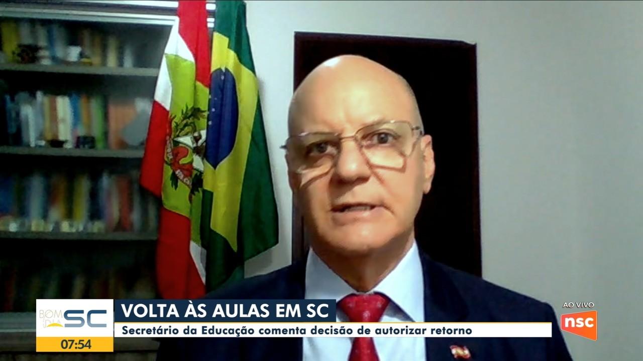Secretário da Educação de SC comenta decisão de autorizar retorno das aulas