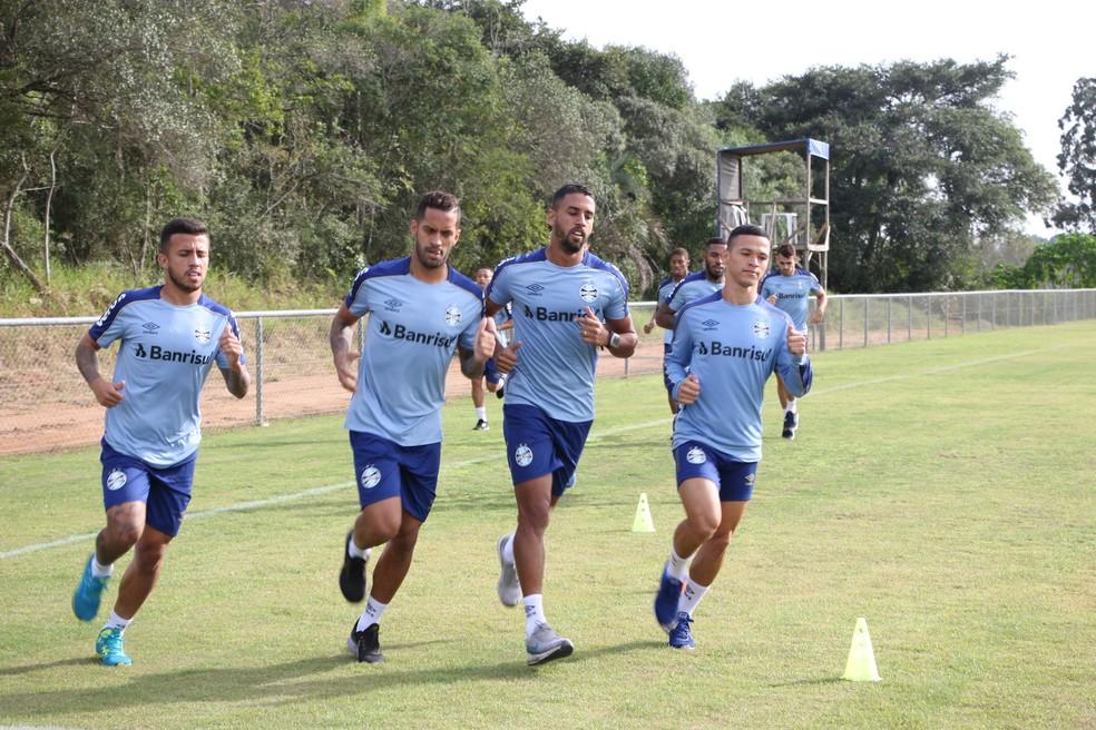 Matheus Henrique, Rômulo e Michel abrem caminho para Darlan — Foto: Eduardo Moura