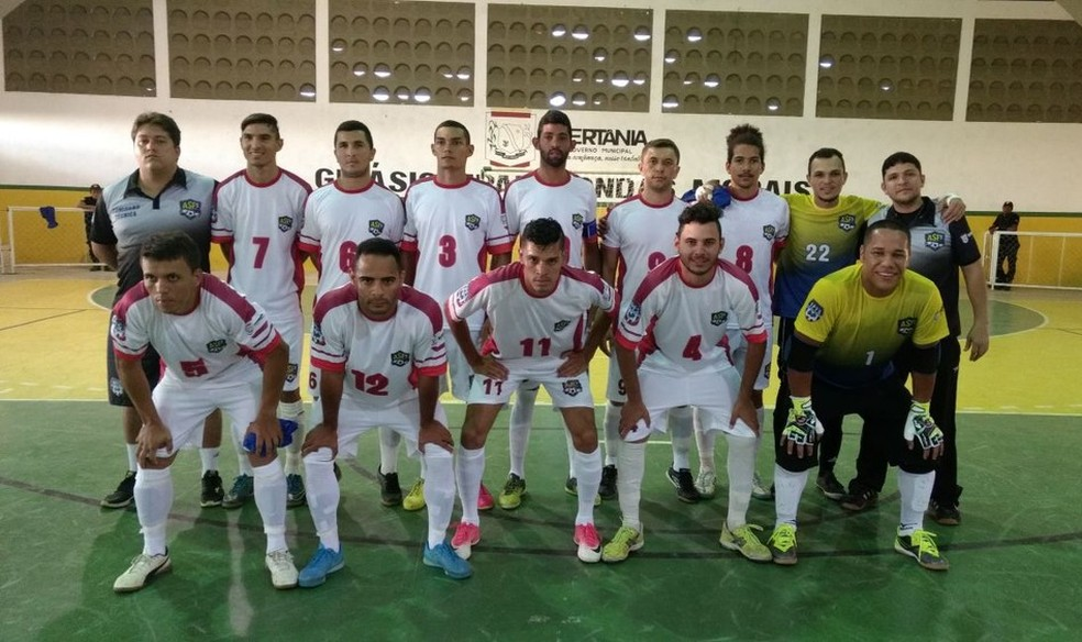 Seleção de Sertânia estava a caminho de Caruaru neste sábado (25) (Foto: José Jaime/TV Asa Branca)