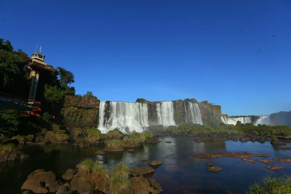 Vazão das Cataratas do Iguaçu é de 375 mil litros de água por segundo, neste sábado (15) — Foto: Nilton Rolin / Cataratas do Iguaçu