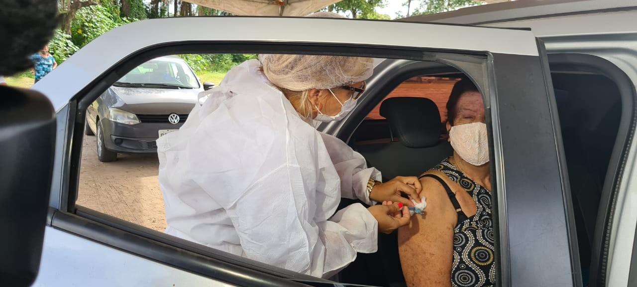 Paulista aplica vacina contra a Covid-19 em cinco locais no sábado