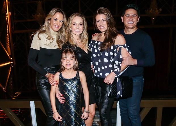 Ticiane Pinheiro, Rafaella Justus, Deborah Quintela, Elaine Mickely e César Filho (Foto: Manuela Scarpa/Brazil News)