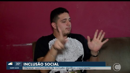 Surdo é escolhido para ser orador da turma pela primeira vez na Universidade Federal do Piauí