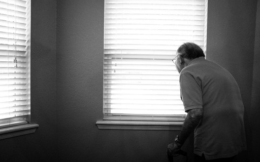 Idosos são os que mais têm depressão e acreditam em mitos sobre o tema