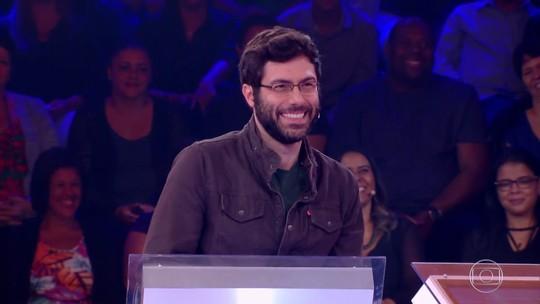 Participante do 'Quem Quer Ser Um Milionário' comenta semelhança com ator de série famosa: 'Sou bem mais bonito'