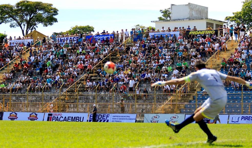 a7bc9fd22 ... Francana é uma das equipes tradicionais que estará na disputa — Foto   Marcos Limonti