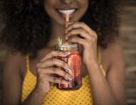 Alimentos para desinchar, regular o intestino e com efeito detox