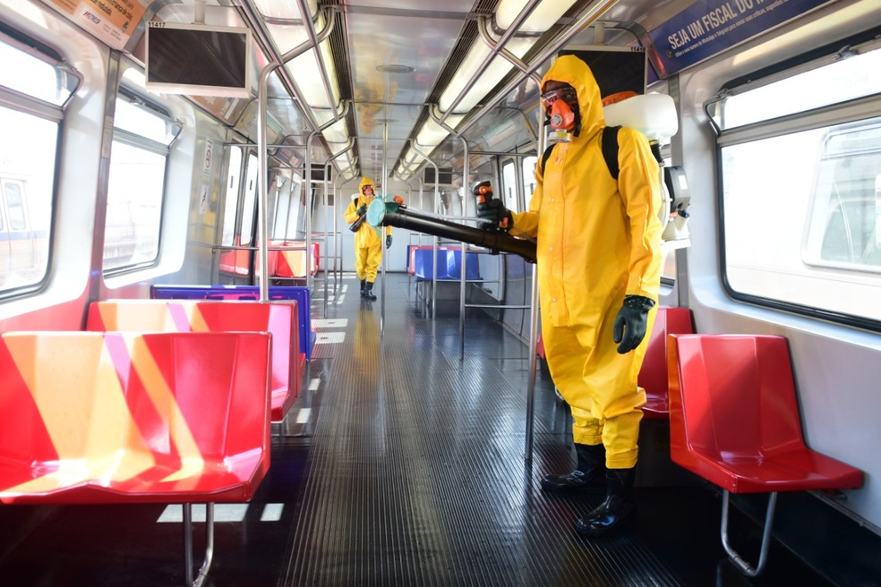 Higienização no Metrô-DF — Foto: Paulo Barros/Metrô-DF/Divulgação