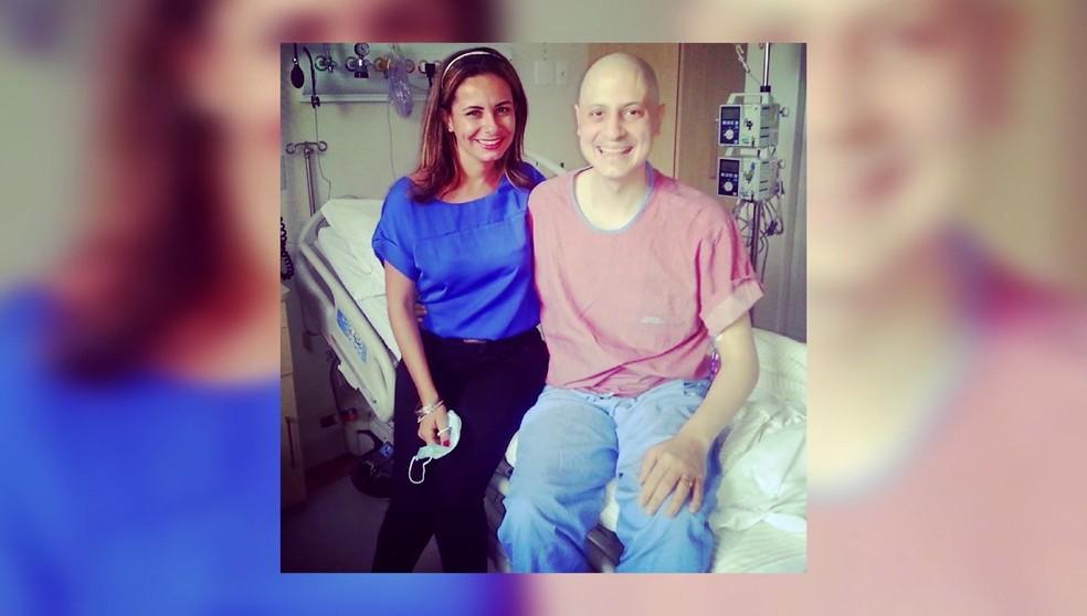 Ana Gabriela e Gabriel se reencontram após ele receber diagnóstico de leucemia — Foto: TV Globo