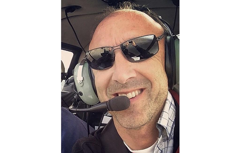 Piloto do helicóptero que levava Kobe Bryant, Ara Zobayan, que também morreu no acidente — Foto: Group 3 Aviation via AP
