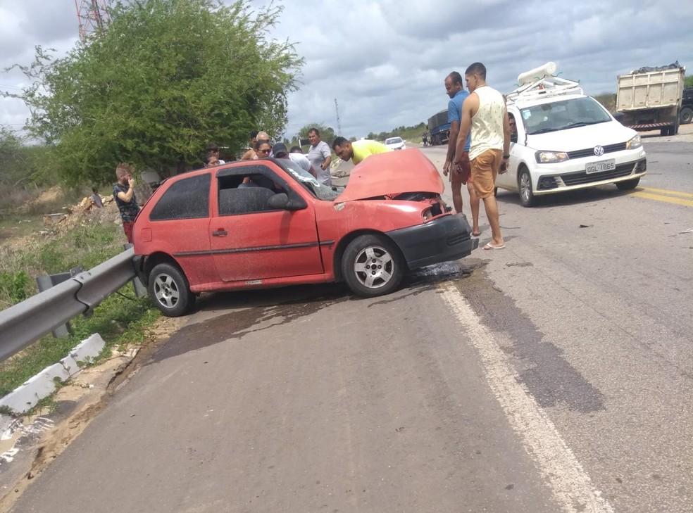 Condutor morreu em colisão frontal com carreta na BR-304 em Macaíba, RN, segundo a PRF.  — Foto: Redes sociais