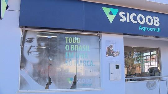 Quadrilha armada assalta agência bancária em Divisa Nova, MG