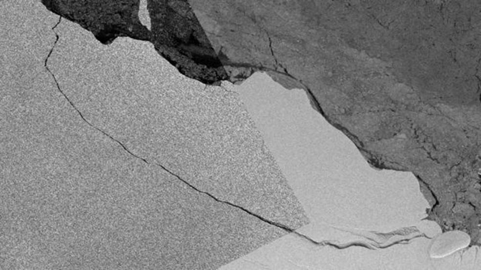 Rachadura em plataforma de gelo foi detectada há anos, mas começou a se aprofundar em 2014 (Foto: Copernicus Sentinel 1 Data/Bas)