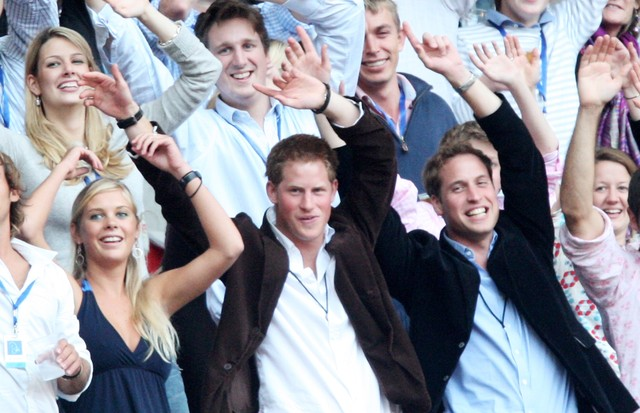 Harry, William e Chelsy Davy, em 2007 (Foto: Getty Images)