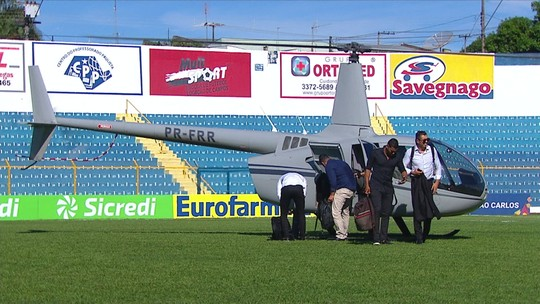 André Santos desce de helicóptero para acompanhar Figueira x Guarani