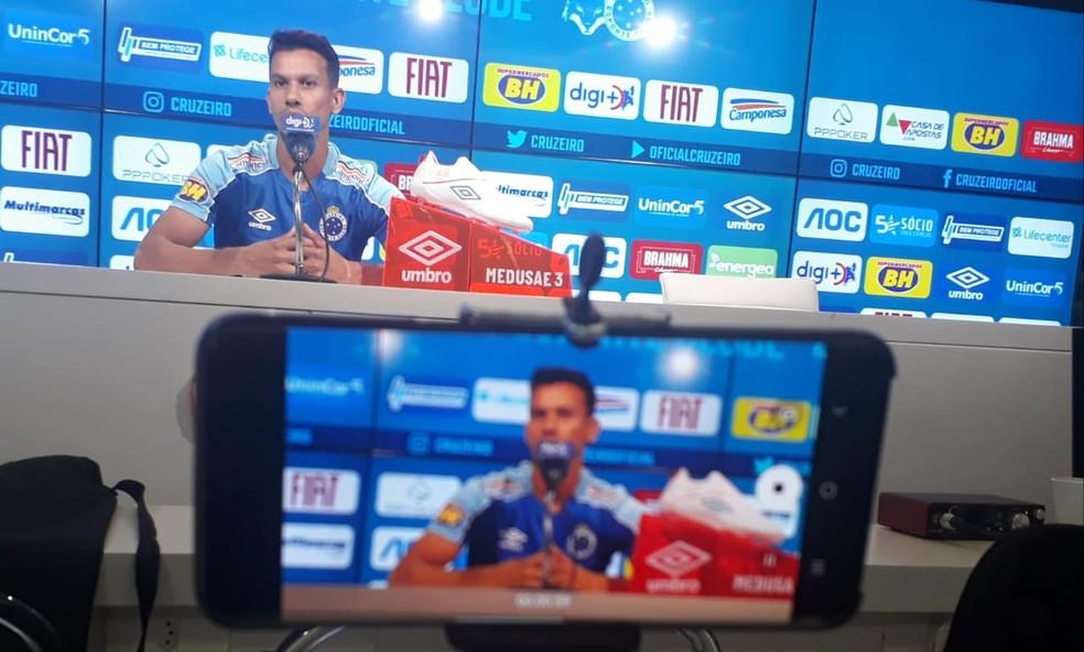 Henrique quer volta das vitórias para time retomar confiança — Foto: Diogo Finelli
