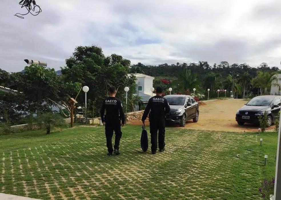 Vários objetos foram apreendidos na operação — Foto: Divulgação/ Gaeco