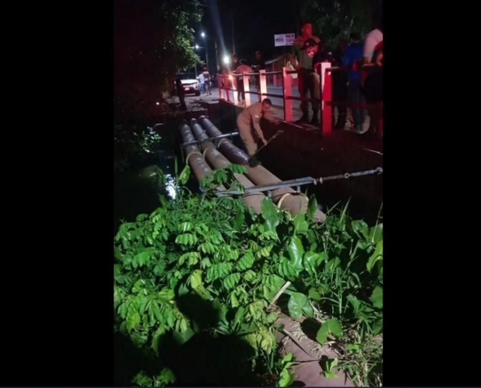Bombeiros tiveram que procurar corpo do rapaz que morreu no Rio Pium — Foto: Redes Sociais