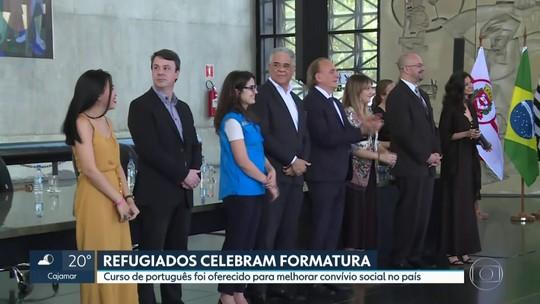 23 refugiados se formam em língua portuguesa em cerimônia no Memorial da América Latina em SP