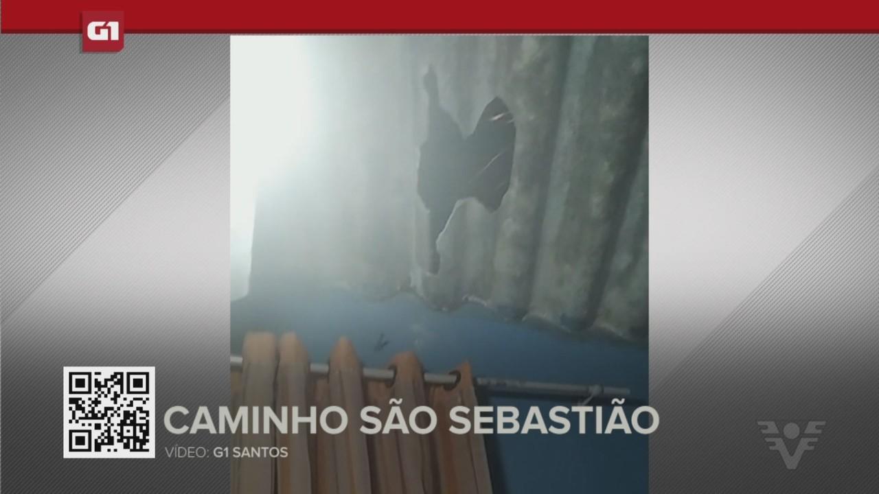 G1 em 1 minuto - Santos: Moradora tem telhado destruído após casa ser atingida por bomba