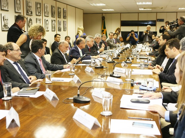 Reunião contou com a presença de 14 governadores (Foto: Luiz Chaves, divulgação/Palácio Piratini)