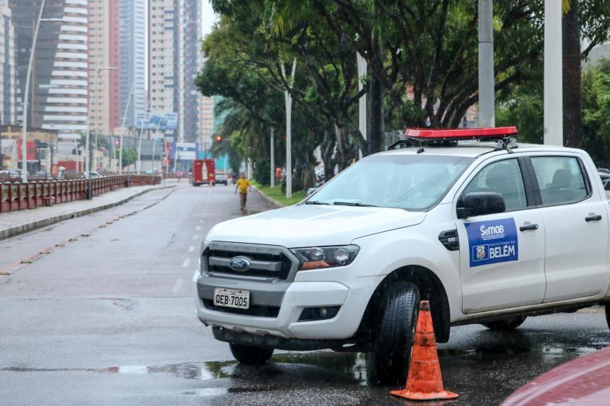 No segundo dia de 'lockdown', prefeitura inicia bloqueios nas ruas de Belém