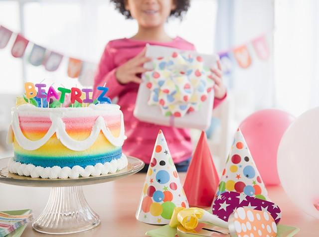 Decoração de festa de aniversário em nome de Beatriz (Foto:  GETTY IMAGES)