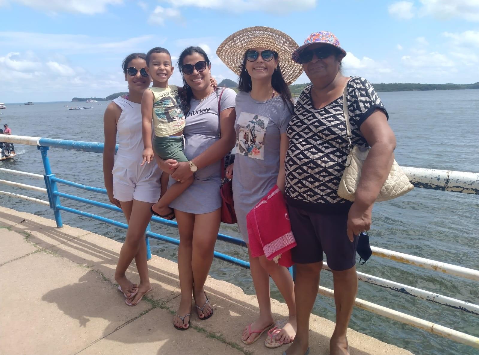 Família realiza sonho de mulher com doença rara sem cura e faz viagem à Alter do Chão, no Pará: 'valeu a pena'