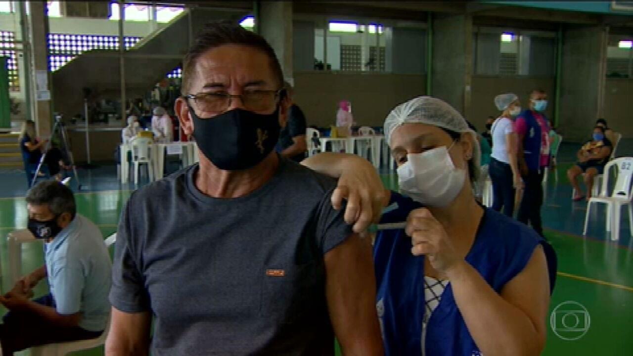 Manaus começa vacinar pessoas entre 45 e 49 anos com doenças pré-existentes