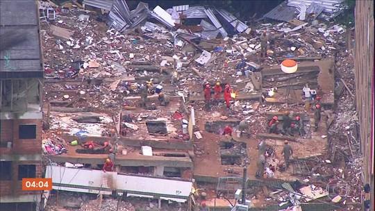 Bombeiros trabalham há mais de 90 horas no local onde prédios desabaram no RJ