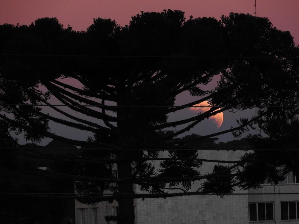 Eclipse Lunar Parcial — Foto: Via app Você na RPC
