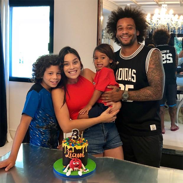 Marcelo e Clarice Alves com os filhos Enzo e Liam (Foto: Reprodução/Instagram)