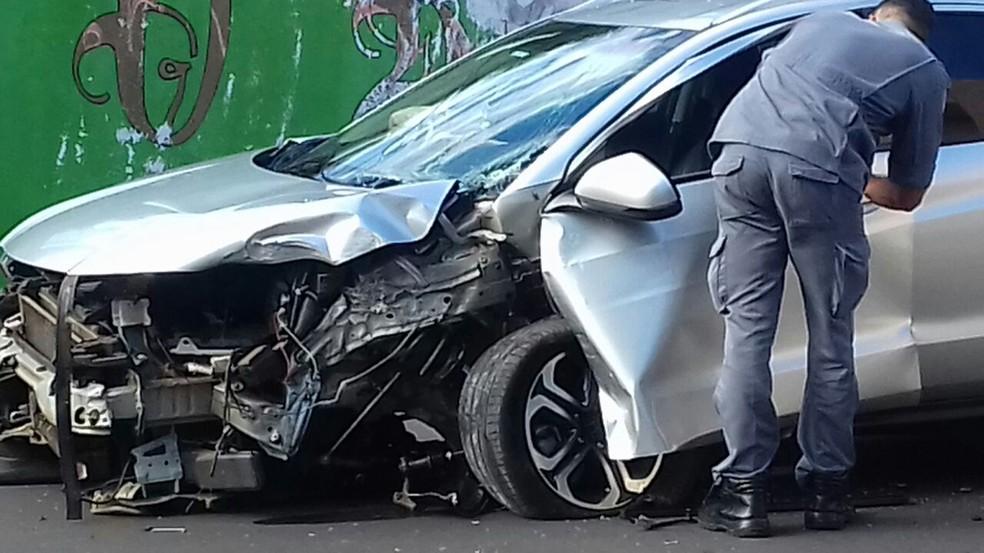 Acidente foi registrado na Avenida da Saudade (Foto: Adriana Otre/Cedida)