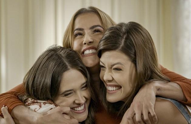 Com suas vidas retomadas, o trio fará uma viagem a Cancún (Foto: TV Globo)