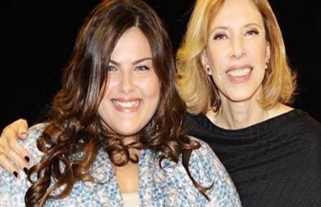 Em 2011, Mayara foi entrevistada por Marília Gabriela na TV (Foto: Reprodução)