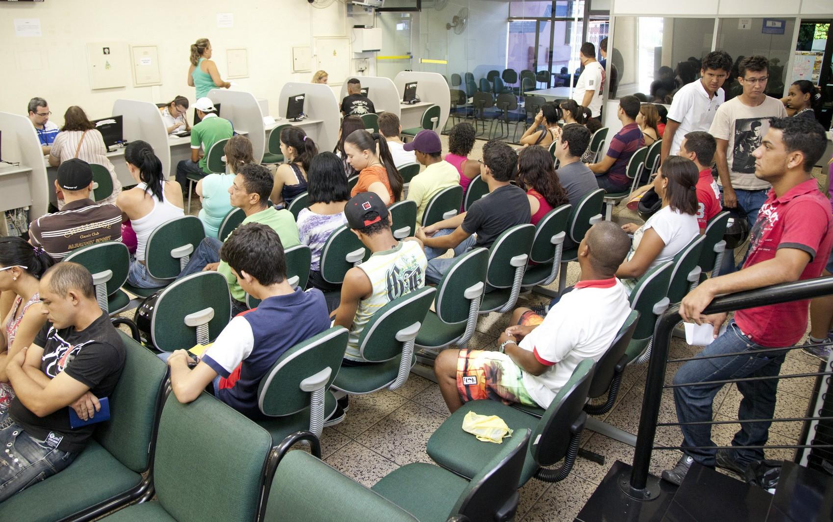 Casa do Trabalhador oferece 88 vagas de emprego em Santa Bárbara d'Oeste; veja lista - Noticias