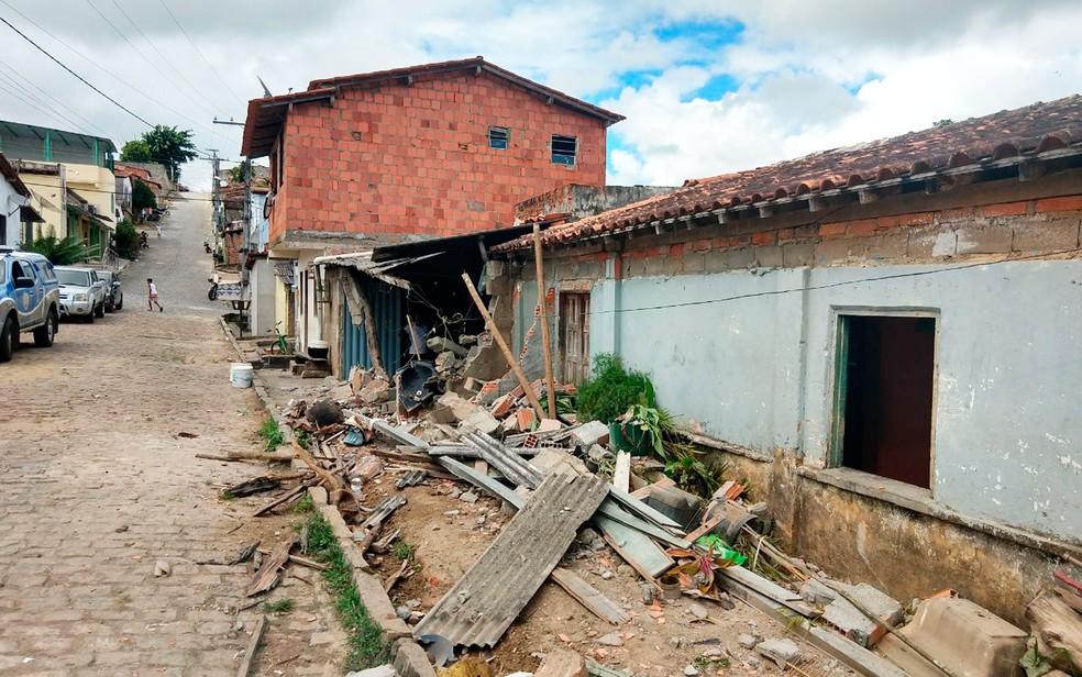 Moradores da casa tiveram danos materiais (Foto: Luciano Silva/Arquivo pessoal)