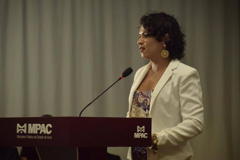 Rubby foi empossada no MP-AC e vai trabalhar atendendo vítimas de violência  (Foto: Tiago Teles/Ascom MP-AC)