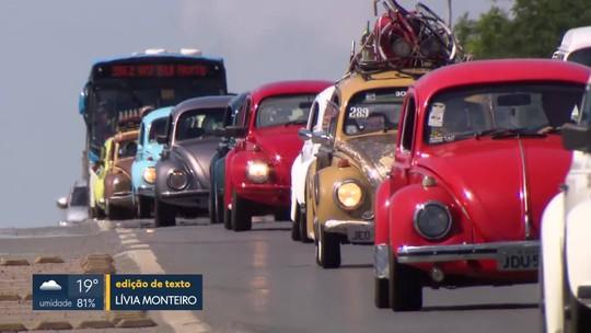 Colecionadores de fusca comemoram os 60 anos do carro no país