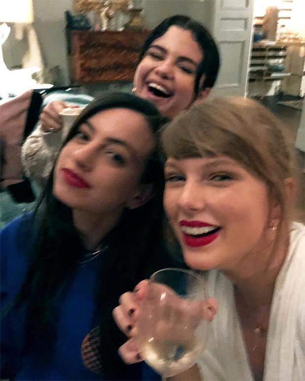 Cazzie David, Selena Gomez e Taylor Swift (Foto: Reprodução / Instagram)