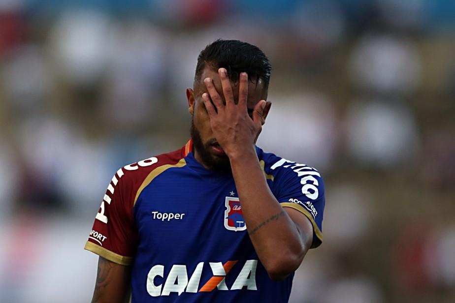 Vitória do Sport decreta Paraná como primeiro rebaixado da Série A 2018