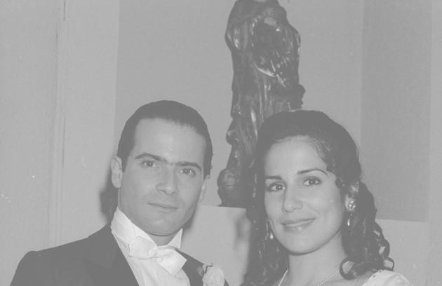 Glória Pires atuou em 'Direito de amar', novela de Walther Negrão. Na foto, aparece ao lado de Lauro Corona (Foto: Divulgação/TV Globo)