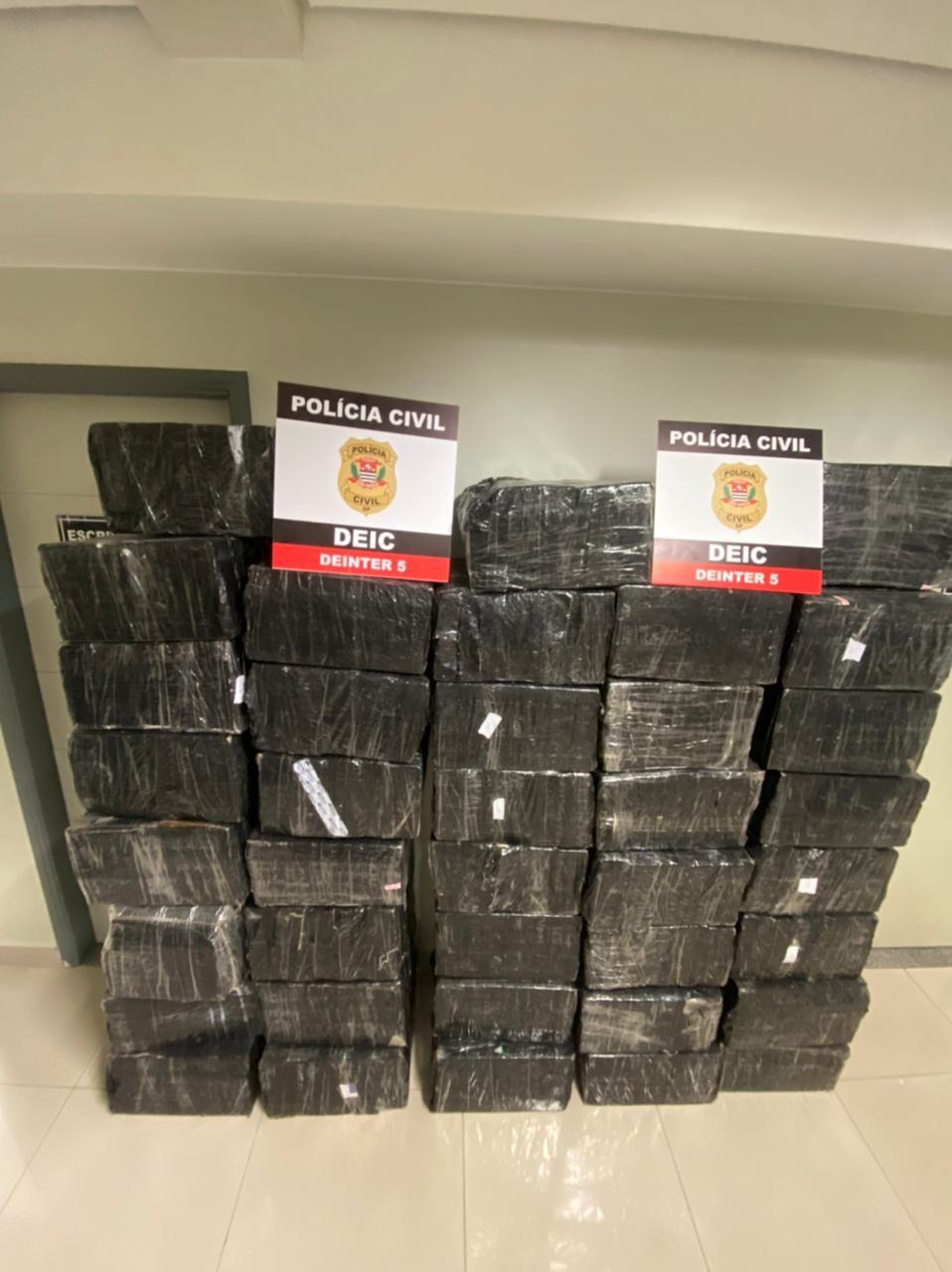 Polícia Civil apreende 1,2 tonelada de maconha escondida em carga de arroz em Guapiaçu