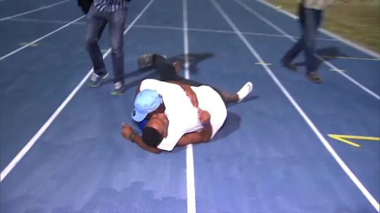 Saiba por que Paulo André rolou abraçado com o pai na pista após correr os 100m abaixo dos 10s