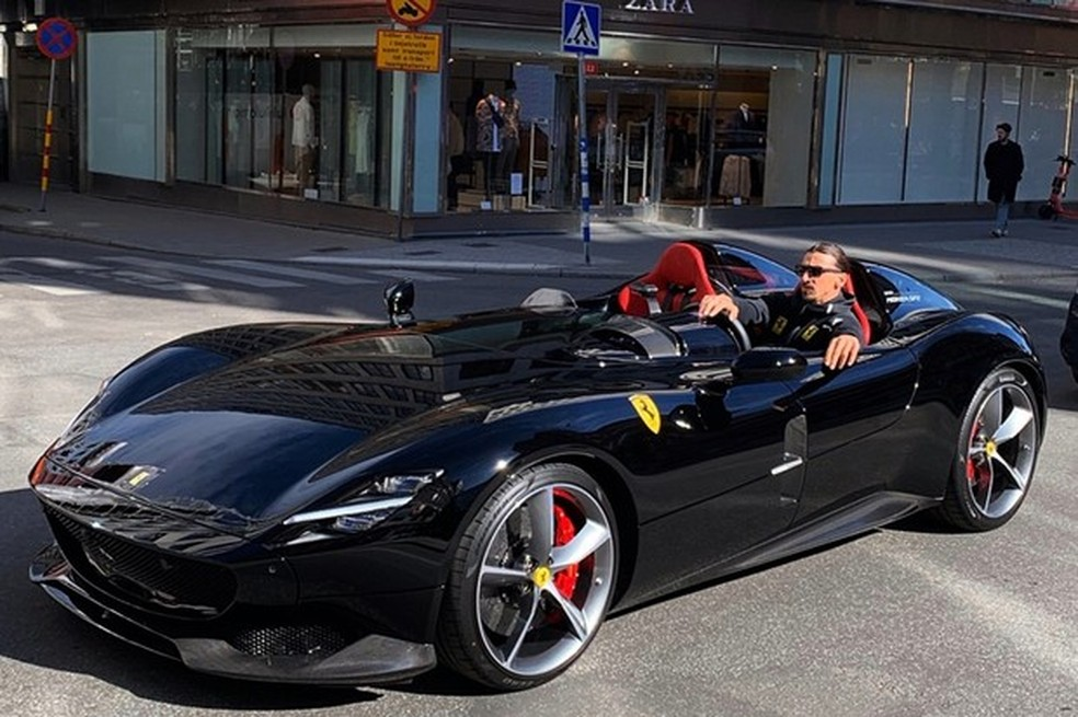 Ibra foi um dos escolhidos pela Ferrari como comprador (Foto: Instagram/Ferdinando Piacezzi) — Foto: Auto Esporte