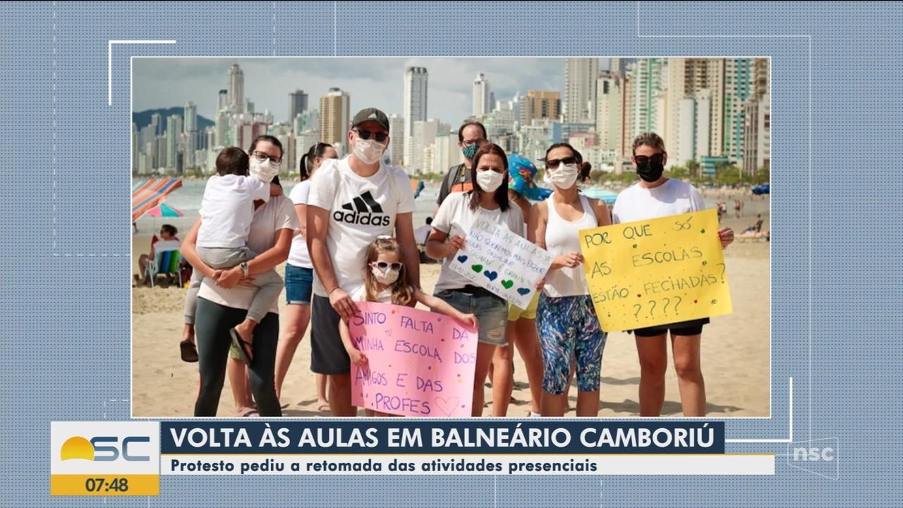 Pais em Balneário Camboriú protestam por volta às aulas presenciais