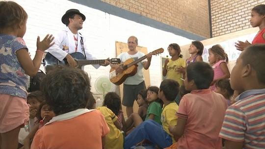 Músico de Brasília traz projeto cultural para abrigo de venezuelanos em Boa Vista