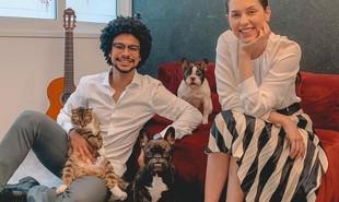 Juntos há 7 anos, Sophia Abrahão e Sergio Malheiros vivem numa casa espaçosa no Rio. A seguir, ela dá detalhes | Reprodução