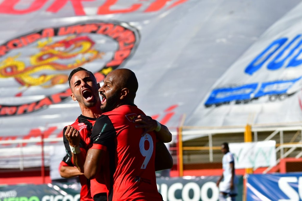 Paulo Henrique e Roldan foram destaques do Pouso Alegre na disputa da elite do Mineiro — Foto: Chiarini Jr./PAFC
