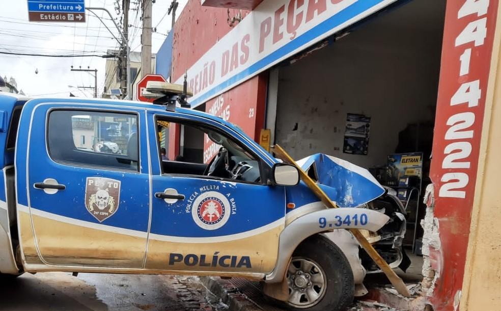 Acidente ocorreu em Brumado, no sudoeste da Bahia, na manhã desta segunda-feira (6).  — Foto: Wilker Porto / Agora Sudoeste